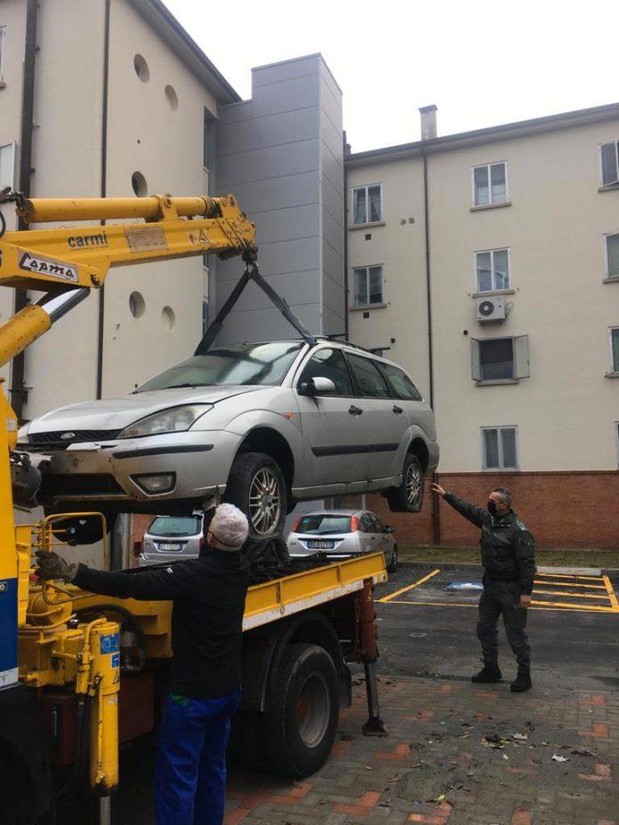 Imola rimozione auto Acer