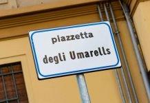 Bologna piazzetta Umarells