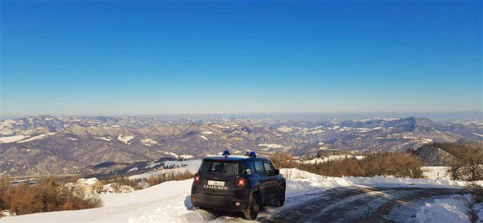 Carabinieri controlli strade per neve