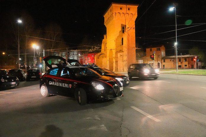 Pattuglia carabinieri Bologna