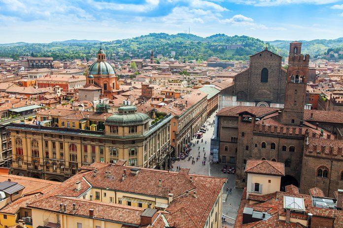 Bologna centro veduta dallalto