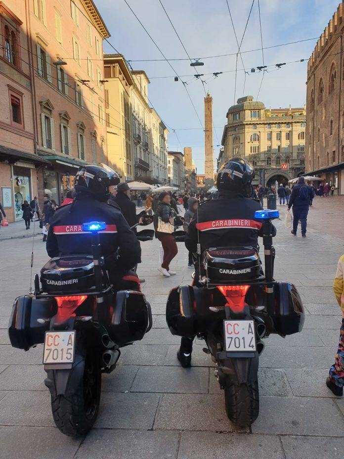 Carabinieri controlli locali commerciali