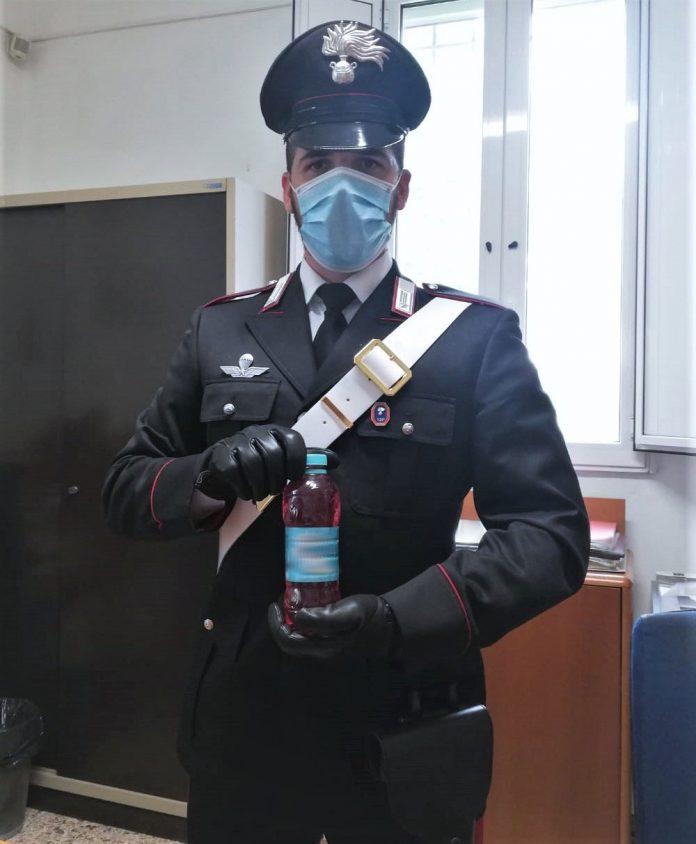 Carabinieri santagata liquido infiammabile