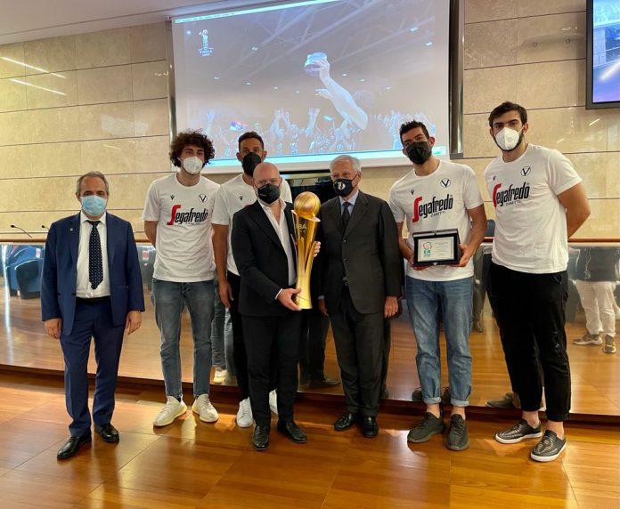 Virtus Bologna premiazione Bonaccini