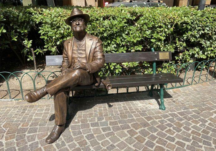 Bologna statua Dalla piazza Cavour